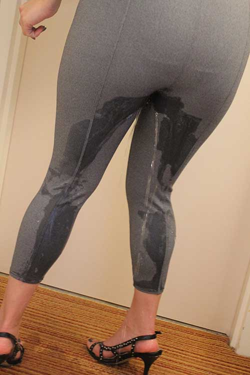 peeing-in-leggings